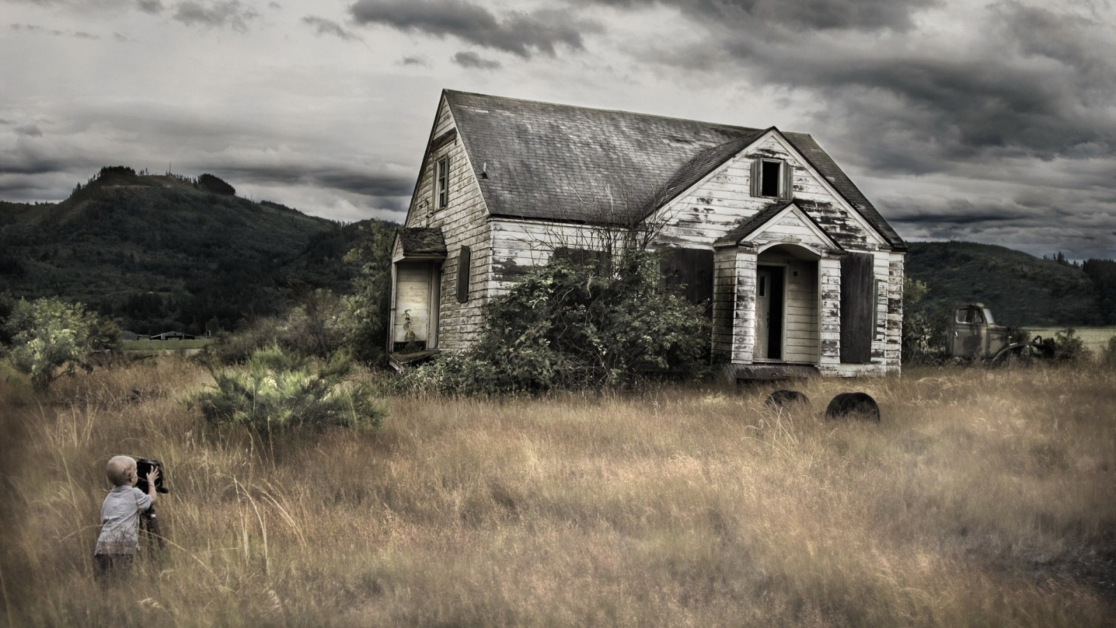 wallpapers-catalogue - house in hdr in 1600x900 resolution.