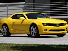 Chevrolet Camaro RS 2010 yellow